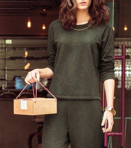 blusa-manga-longa-21671-oliva-print-campanha