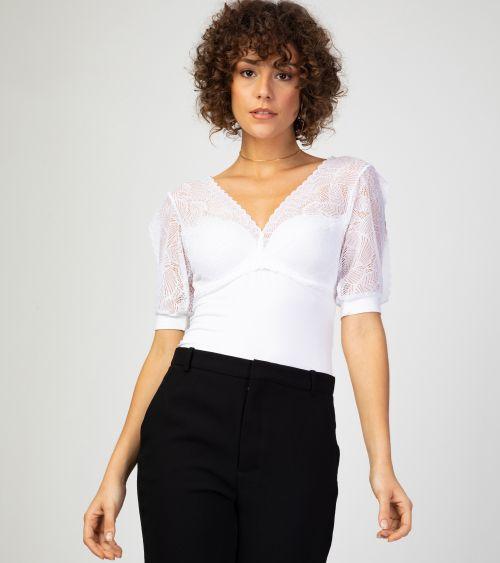 blusa-com-renda-e-sutia-embutido-21090-branco-frente-3