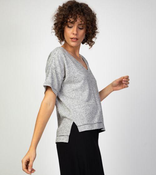 blusa-manga-curta-21009-textura-lado