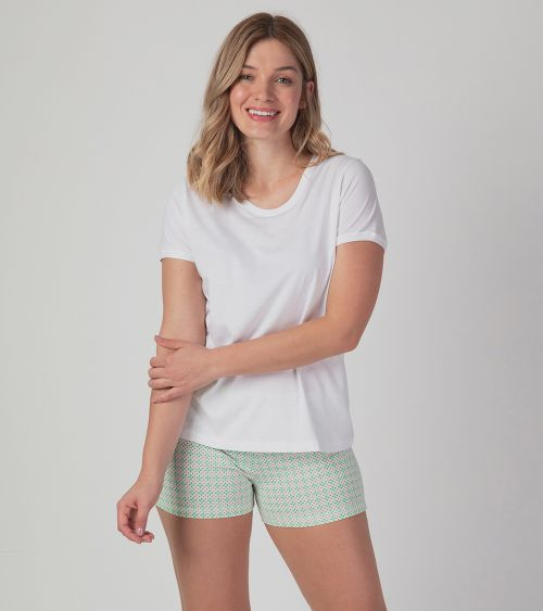 camiseta-manga-curta-21000-branco-shorts-20324-lumi-frente