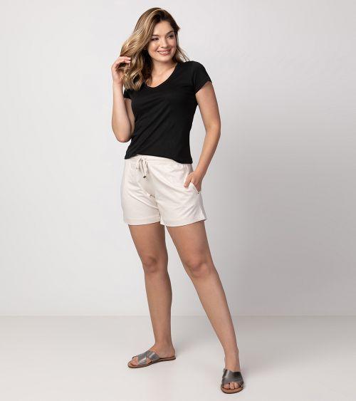 camiseta-pima-21010-preto-shorts-20891-areia-frente-2