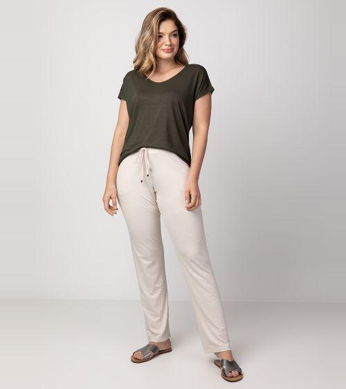 camiseta-com-bojo-21058-moss-calca-20890-frente
